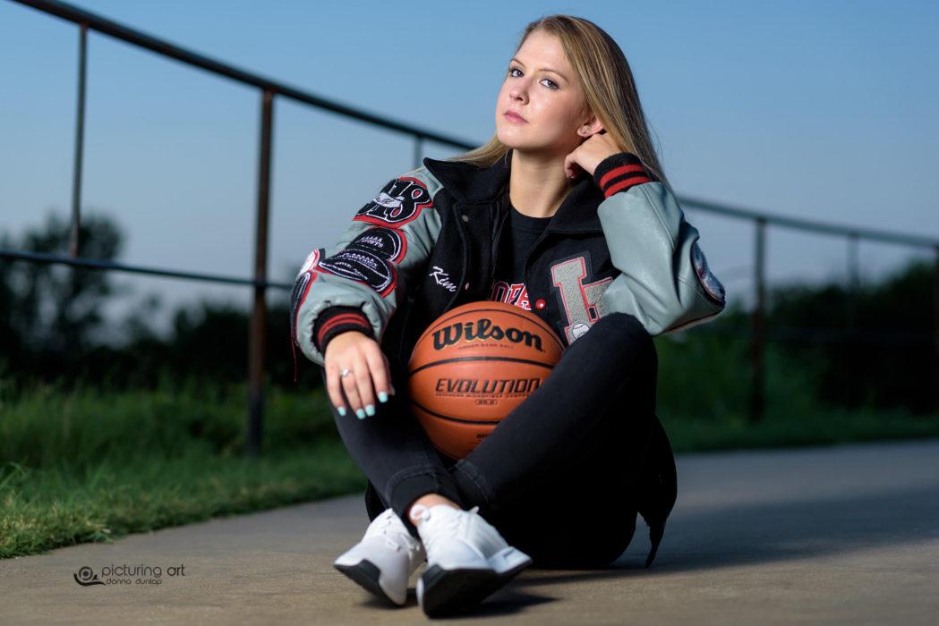 basketball, letter jacket, girl, pretty, senior, senior pic, senior pictures, classof2018, grad, graduate, Plano, Plano tx, allen texas, girl, fusion