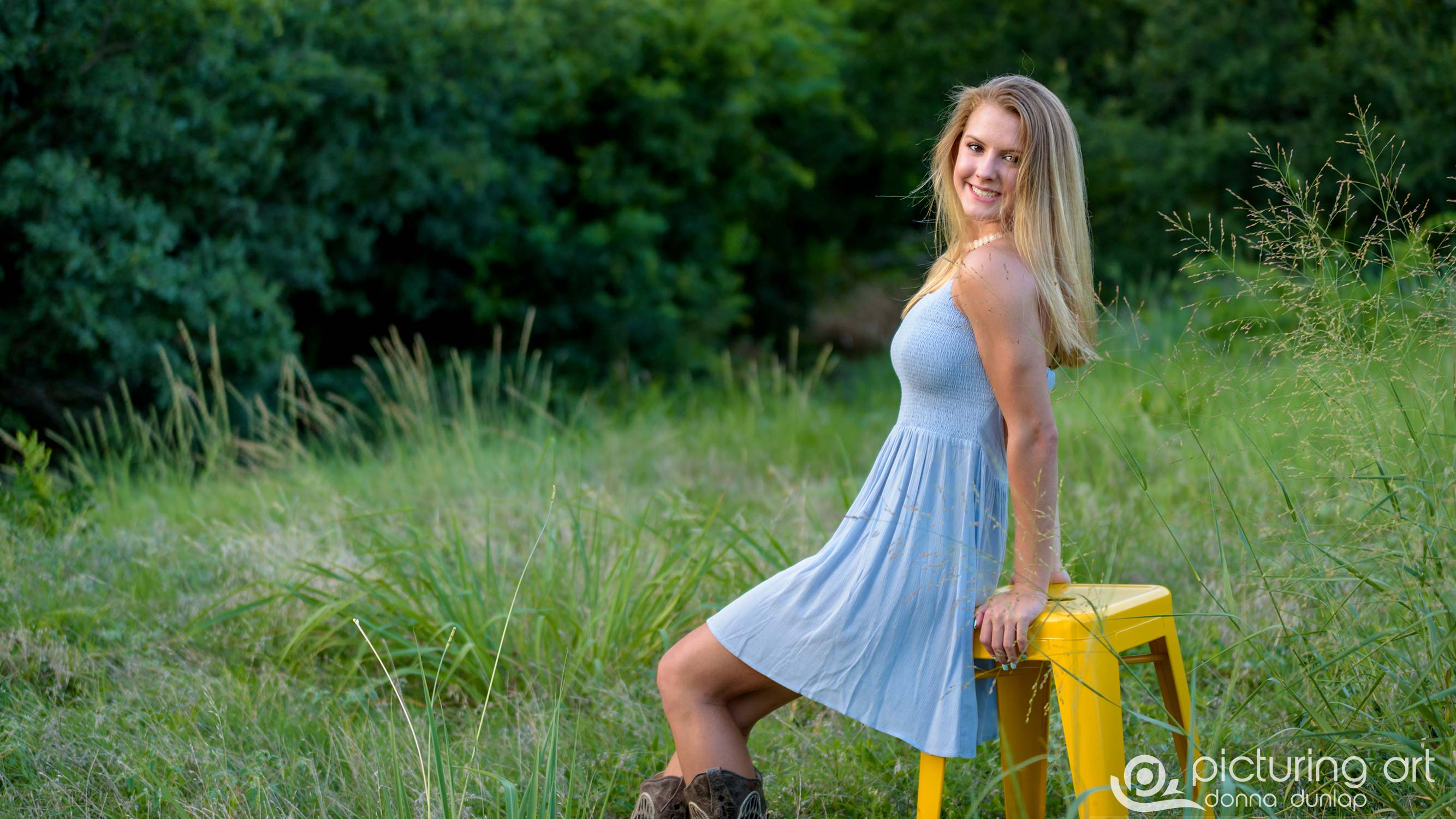 fusion, blond, girl, nature, field, pretty, senior, senior pic, senior pictures, class of 2018, grad, graduate, Plano, Plano tx, plano texas, arbor hills nature preserve,